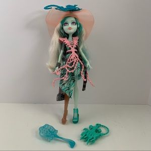 Monster high doll Vandala Doubloons complete